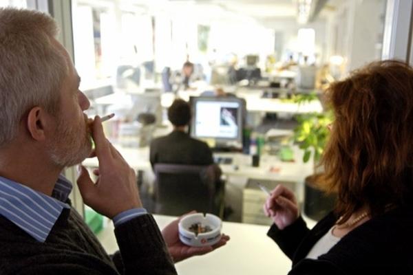 fumare durante lavoro